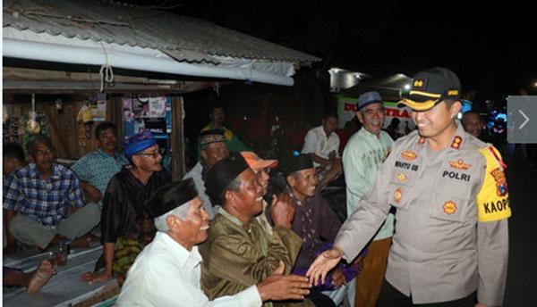 Permalink ke Patroli Polres Gresik Kunjungi Wilayah Pemilihan Kepala Desa