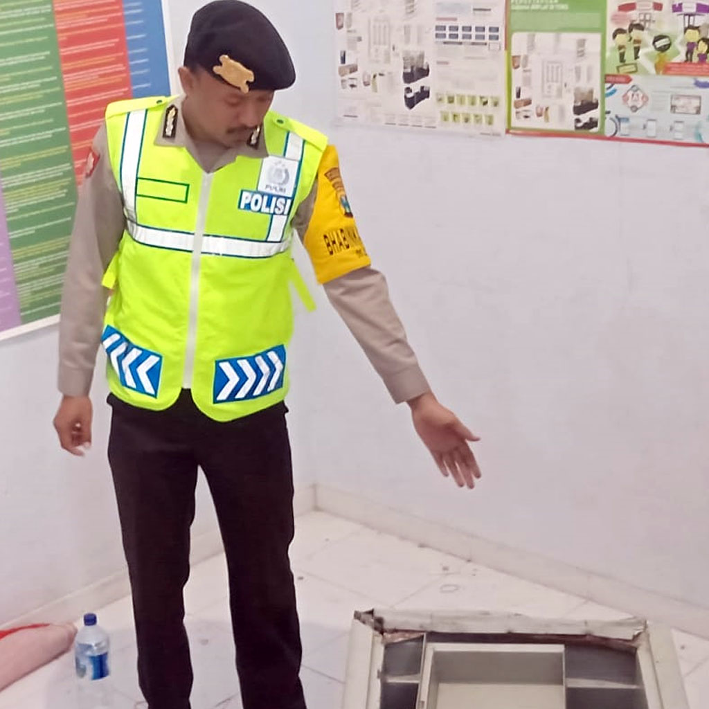 Permalink ke Pencuri di Ponorogo Gasak Rokok dan Bongkar Brangkas Minimarket
