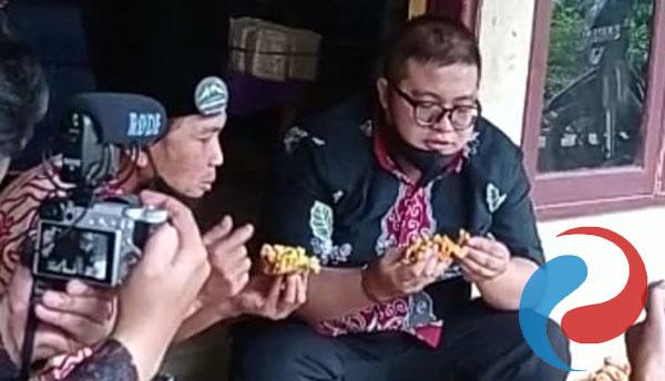 Permalink ke Disparpora Bondowoso Kunjungi  Wisata Kuliner di Desa Patemon