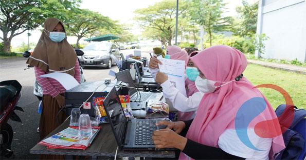 Kapolres Bangkalan Tinjau Vaksinasi On Site & Drive Thru