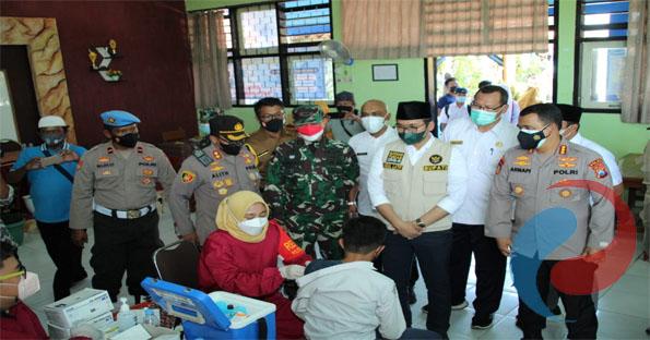Tinjau Vaksinasi Sekolah, AKBP Alith Optimis Bangkalan ke Level 2
