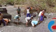 Permalink ke Bhabinsa Trotosari Pimpin Pengumpulan Material Perbaikan Rumah Warga Miskin