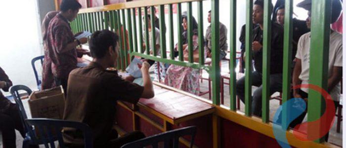 Penyerahan SIM dan STNK  Kepada Ribuan Pelanggar di Kejari Bondowoso