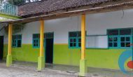 Permalink ke Ruang Kelas tak Cukup, Murid MTs di Bondowoso Belajar di Musholla