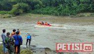 Permalink ke Tiga Hari Terseret Aliran Kali Brantas Mayat Bocah SD Blitar Ditemukan