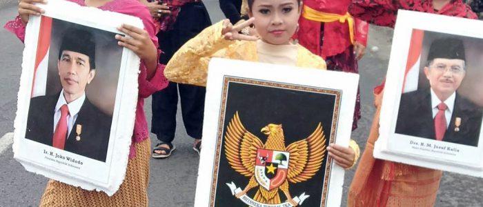 Peringati HUT RI ke 74, Kecamatan Kali Baru  Gelar Karnaval