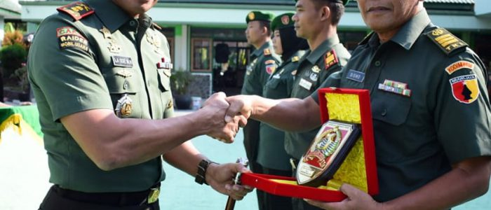 Dandim Surabaya Timur Pimpin Upacara Pindah dan Masuk Satuan