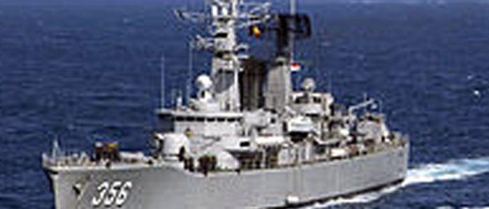 Dua Kapal Eskorta Koarmada II Amankan Lokasi Terbakarnya KM Santika Nusantara